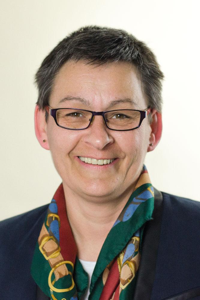Dr. Bettina Lange