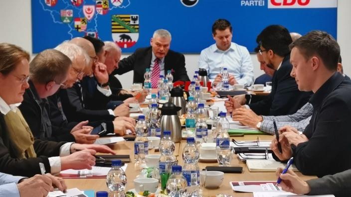 Sitzung_Vereinigungen